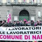 Comune di Napoli al collasso, un «esercito» di dipendenti 60enni