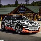 Audi e-tron è pronta al lancio, una rivoluzione per il piacere di guida e il recupero di energia
