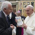 Il Papa indica la linea editoriale dell'Avvenire: «Poveri e migranti la vostra agenda»