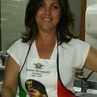 San Giovanni Rotondo, la vicesindaca ai fornelli con il grembiule di Mussolini: bufera su Facebook