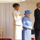 Trump e Melania dalla regina Elisabetta: la stretta di mano al castello di Windsor