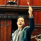 Condono a Ischia, bagarre in aula: Fico sospende seduta alla Camera