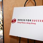 Come vestirsi per un colloquio? Dall'abito al curriculum: arriva l'associazione che aiuta le donne