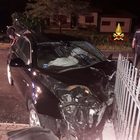 Scontro fra auto: morta automobilista 63enne, ferito il marito e altri due giovani