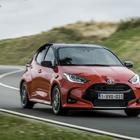 Toyota Yaris: efficienza, piacere di guida e l'assicurazione gratis per i chilometri percorsi in elettrico
