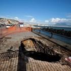 Maltempo a Napoli, voragine choc spunta sul lungomare