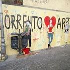 Lucio Dalla, Sophia Loren e Enrico Caruso: i volti del murales di Tvboy dedicato a Sorrento