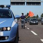 Dimentica lo zainetto e va in moto contromano lungo l'A14, sfiorata la tragedia