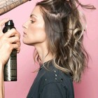 """La """"vecchia"""" lacca per capelli Made in Italy torna di moda negli Stati Uniti"""