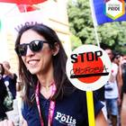 La poliziotta al convegno gay: «Non può mettere la divisa». Ma due agenti uomini potranno farlo