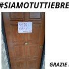 """""""Qui ebrei"""", Bruno Astorre affigge cartello """"Siamo tutti ebrei"""" sulla porta di casa"""
