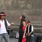«Musicanti», tutti in strada a cantare nel nome di Pino Daniele