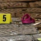 Genova, bambina di tre anni precipita dal quinto piano e muore: era sola in casa