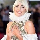 Lady Gaga, (il meraviglioso) anello di fidanzamento che ha un prezzo da capogiro