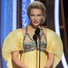 Russle Crowe e Cate Blanchett portano il dramma degli incendi in Australia sul palco: «Tragedia del cambiamento climatico»