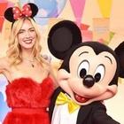 Chiara Ferragni madrina di Topolino 90: tutti gli outfit scelti a Disneyland Paris