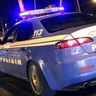 Napoli, 16enne non respira più a via Toledo: salvata dai poliziotti