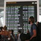 Modella australiana bloccata in aeroporto per una piccola macchia d'acqua sul passaporto