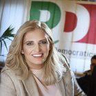 Napoli, Ulleto e marito sotto accusa: «Pacchetti voti per i corsi regionali»