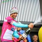 • Vinse il Giro nel 2011, lascia la moglie e due figli gemelli