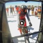 Denise, la «mamma razzo» più veloce al mondo in bici. Tre figli, 45 anni, ha raggiunto i 296 km/h Video