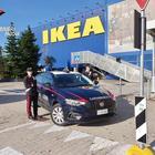 Ikea, dipendente infedele intascava i soldi dei distributori: in sei mesi ha rubato 10mila euro