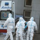 Virus polmonare cinese, allarme Iss: «Passa da uomo a uomo». Controlli sui voli in Italia