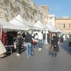 No del Comune agli ambulanti di piazza Libertini: bancarelle a Natale solo al mattino