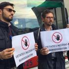 Fischietti contro i borseggiatori: cittadini attivi sui pullman della città