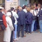 """Reddito di cittadinanza, ecco com'è andata. Rabbia M5S: """"File ai Caf? Una bufala"""""""