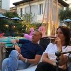 """Sonia Bruganelli, il marito Paolo Bonolis """"assente"""" nelle foto: «Le cose sono diverse da quelle ci che mostrano...»"""