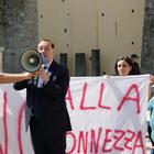 «No all'impianto di compostaggio» Mastella in piazza con le mamme