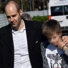 il papà del bambino che ha dato l'allarme: «Ora cittadinanza italiana per mio figlio»