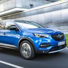 Grandland X, Opel allarga la famiglia Suv: ecco il 3° modello a ruote alte che affianca Mokka e Crossland