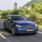 Mercedes, la Classe C si rinnova con un'iniezione robusta di tecnologia. Al debutto nuovi motori