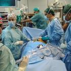 Cuore 'bucato' durante l'operazione per il pacemaker: paziente morta a 60 anni