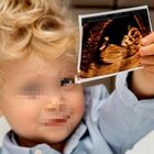 Chiara Ferragni è incinta, Leone mostra l'ecografia su Instagram: «La nostra famiglia si allarga». Fedez reagisce così