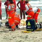 Si tuffa a riva a Viareggio e si frattura le vertebre cervicali: 26enne gravissimo