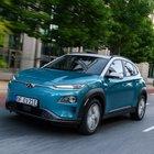 Hyundai Kona elettrica, le emissioni zero sono già realtà. Ha una percorrenza di quasi 500 km