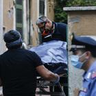 Roma choc: uomo spara e uccide la mamma, poi si toglie la vita. Trovati morti in casa a Torpignattara