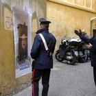 Toninelli e il manifesto 'Neuronics' in giro per Roma