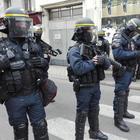 Blitz a Lourdes, liberati gli ostaggi: ma il sequestratore ha ferito la ex