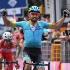 """Giro d'Italia, vince Cataldo, la """"rosa"""" resta a Carapaz. Sale Nibali"""