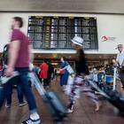 Bruxelles, caos aeroporto 60 voli partiti senza bagagli