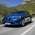 Clio, al volante della best seller di Renault. Comportamento dinamico, comfort e qualità: tutto fa un balzo in avanti