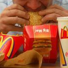 Mangia per 3 mesi solo da Mc Donald's e dimagrisce di 17 chili