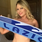 Anna Falchi, sexy promessa ai tifosi della Lazio per scudetto e supercoppa