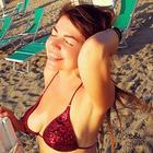 """Cristina D'Avena se la canta e se la suona: «Ai concerti mi urlano """"Escile""""... Sono il sogno erotico di molti uomini»"""