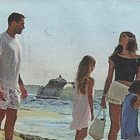 Belen e Marco Borriello di nuovo insieme: in barca con Santiago a Formentera