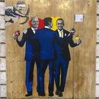 Governo, Tvboy colpisce ancora: il nuovo murale celebra il patto giallorosso tra Conte, Di Maio e Zingaretti